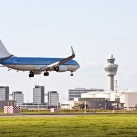 Heeeeeeeel dichtbij de vliegtuigen van Schiphol. Met ter Beek Reizen
