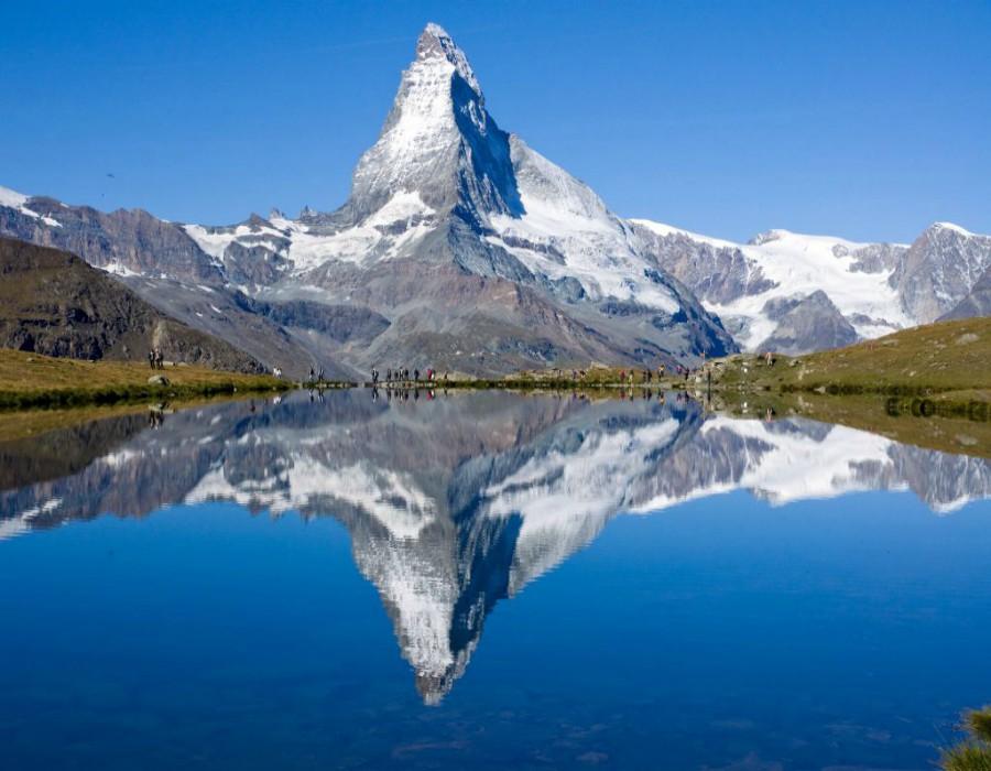 Busreis-Davos-Zwitserse-treinen-ter-beek-reizen-meer-sneeuwtop-gallery