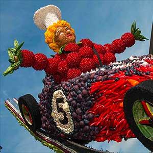Dagtocht Fruitcorso in Tiel per luxe touringcar met ter Beek Reizen